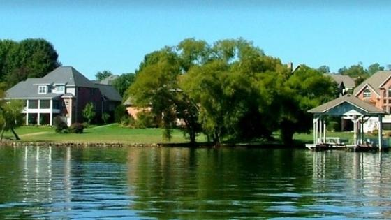 waterfront retirement communities on Tellico Lake