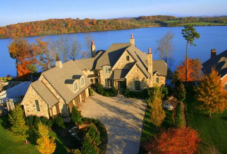 lakefront homes on Tellico Lake