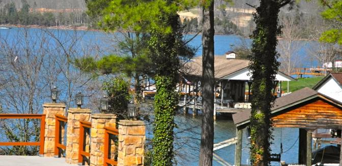lakefront homes at Tellico Village